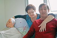 Segundo Tânia, cuidar da mãe e do marido a transformaram em uma pessoa melhor - Imagem: Sanakan