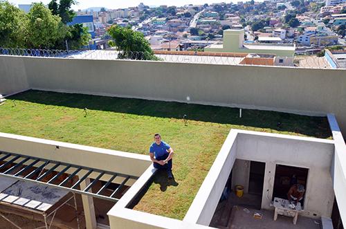 ideia é, no futuro, também fazer um jardim no eco telhado